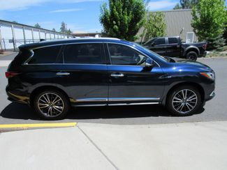 2017 Infiniti QX60  Loaded! Bend, Oregon 3
