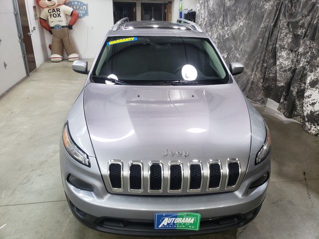 2017 Jeep Cherokee AWD Latitude All Wheel Drive Sunroof in Dickinson, ND 58601