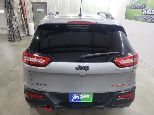 2017 Jeep Cherokee Trailhawk in Dickinson, ND 58601