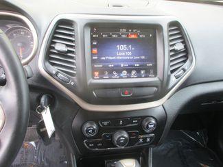 2017 Jeep Cherokee Latitude Farmington, MN 4