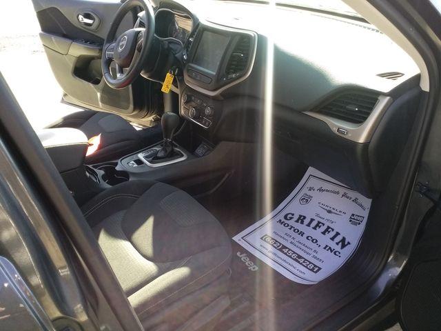 2017 Jeep Cherokee Latitude Houston, Mississippi 8
