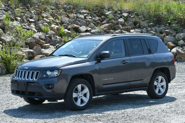 2017 Jeep Compass Sport 4WD Naugatuck, Connecticut 2