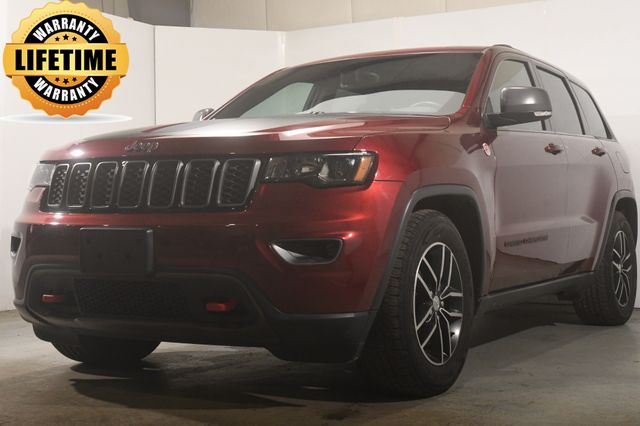 2017 Jeep Grand Cherokee Trailhawk w/ Blind Spot / Safety Tech