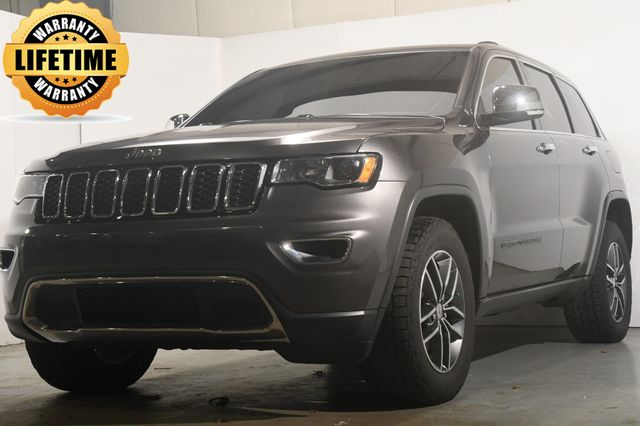 2017 Jeep Grand Cherokee Limited w/ Blind Spot Safety Tech in Branford, CT 06405