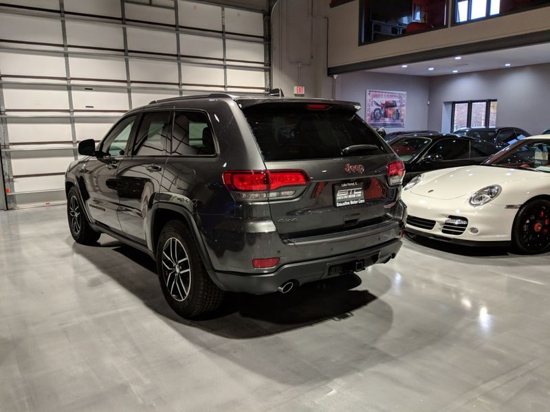 2017 Jeep Grand Cherokee Trailhawk  Lake Forest IL  Executive Motor Carz  in Lake Forest, IL