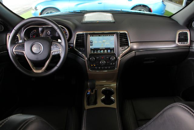 2017 Jeep Grand Cherokee Limited 4X4 - LUXURY GROUP II - NAV - PANO ROOF! Mooresville , NC 28