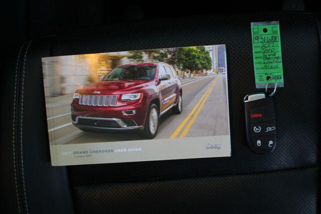 2017 Jeep Grand Cherokee Limited 4X4 - LUXURY GROUP II - NAV - PANO ROOF! Mooresville , NC 17