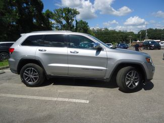 2017 Jeep Grand Cherokee Limited LUXURY. PANORAMIC. NAVIGATION SEFFNER, Florida 9