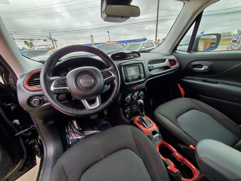 2017 Jeep Renegade Trailhawk  Brownsville TX  English Motors  in Brownsville, TX