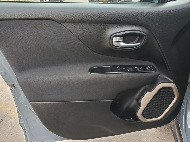 2017 Jeep Renegade Latitude  Brownsville TX  English Motors  in Brownsville, TX