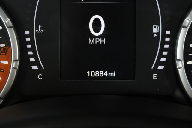 """2017 Jeep Renegade Sport FWD - SPORT APPEARANCE GROUP - 5"""" UCONNECT! Mooresville , NC 33"""
