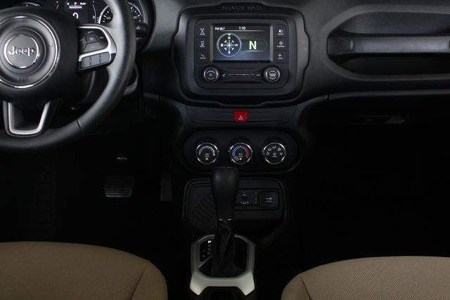 """2017 Jeep Renegade Sport FWD - SPORT APPEARANCE GROUP - 5"""" UCONNECT! Mooresville , NC 10"""