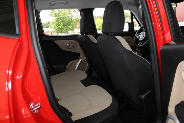 """2017 Jeep Renegade Sport FWD - SPORT APPEARANCE GROUP - 5"""" UCONNECT! Mooresville , NC 38"""