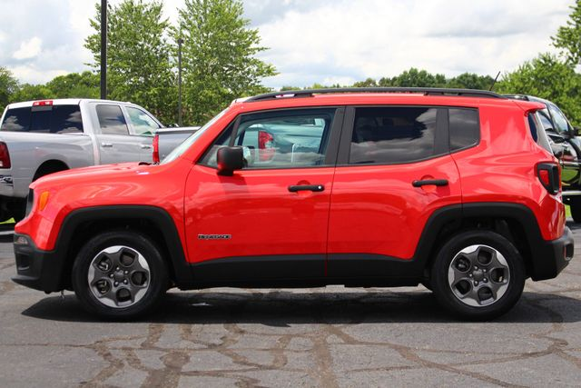 """2017 Jeep Renegade Sport FWD - SPORT APPEARANCE GROUP - 5"""" UCONNECT! Mooresville , NC 16"""