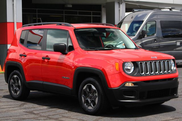 """2017 Jeep Renegade Sport FWD - SPORT APPEARANCE GROUP - 5"""" UCONNECT! Mooresville , NC 23"""