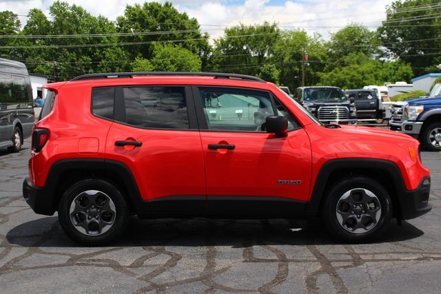 """2017 Jeep Renegade Sport FWD - SPORT APPEARANCE GROUP - 5"""" UCONNECT! Mooresville , NC 15"""