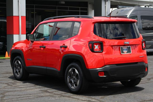 """2017 Jeep Renegade Sport FWD - SPORT APPEARANCE GROUP - 5"""" UCONNECT! Mooresville , NC 26"""