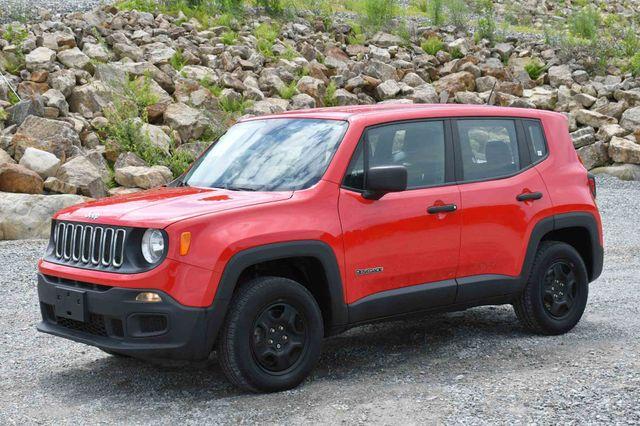 2017 Jeep Renegade Sport 4WD Naugatuck, Connecticut 2