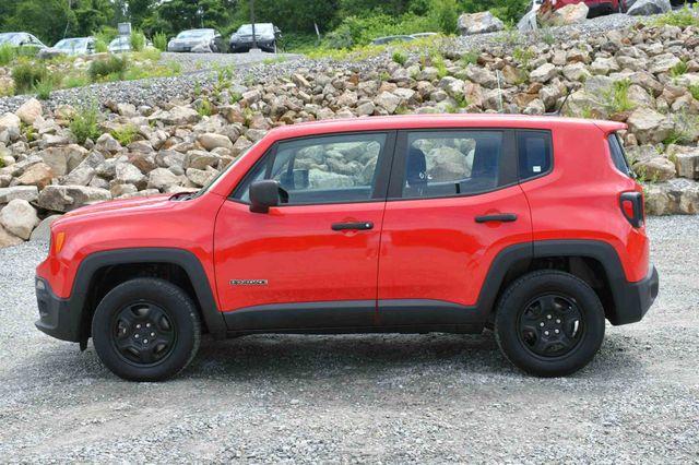 2017 Jeep Renegade Sport 4WD Naugatuck, Connecticut 3