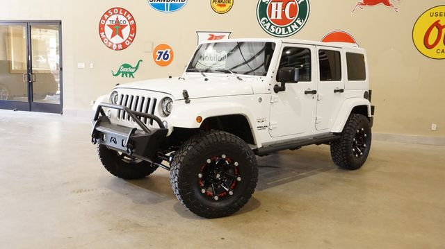 2017 Jeep Wrangler Unlimited Sahara 4X4 AUTO,LIFTED,HTD LTH,45K