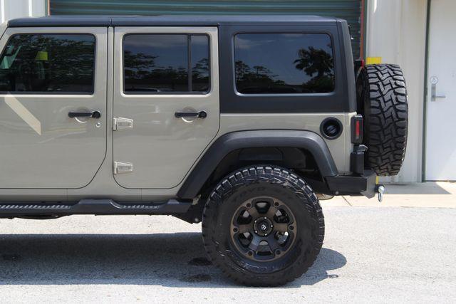 2017 Jeep Wrangler Unlimited Sport Jacksonville , FL 9