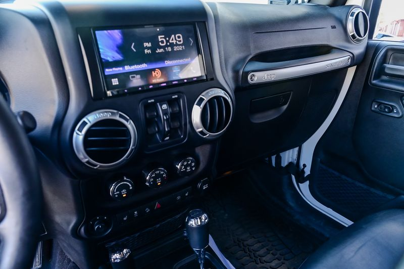 2017 Jeep Wrangler Unlimited 3.6L V6 RUBICON, LEATHER STS,FRDM 3-PIECE HARD TOP in Rowlett, Texas