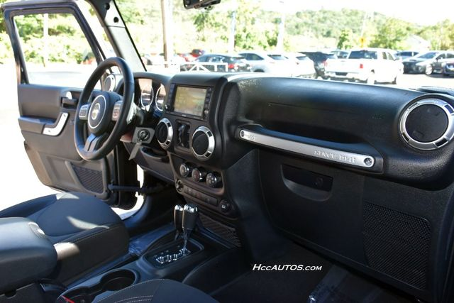 2017 Jeep Wrangler Unlimited Sahara Waterbury, Connecticut 19