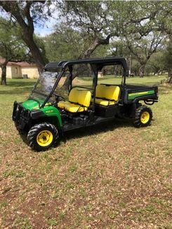 2017 John Deere GATOR 825i 4 DOOR in Devine, Texas 78016