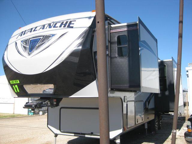 2017 Keystone Avalanche 330GR Odessa, Texas 1
