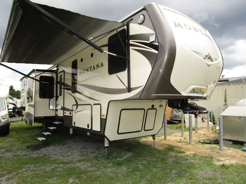 2017 Keystone MONTANA 3790RD  in Charleston, SC