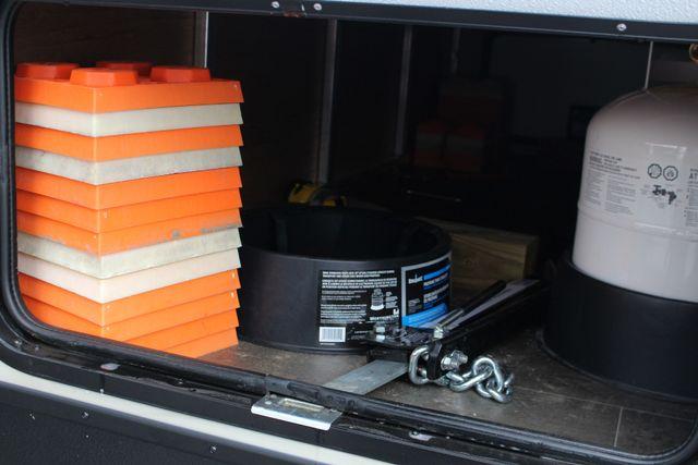 2017 Keystone Premier Ultra Lite 30RIPR Mooresville , NC 50