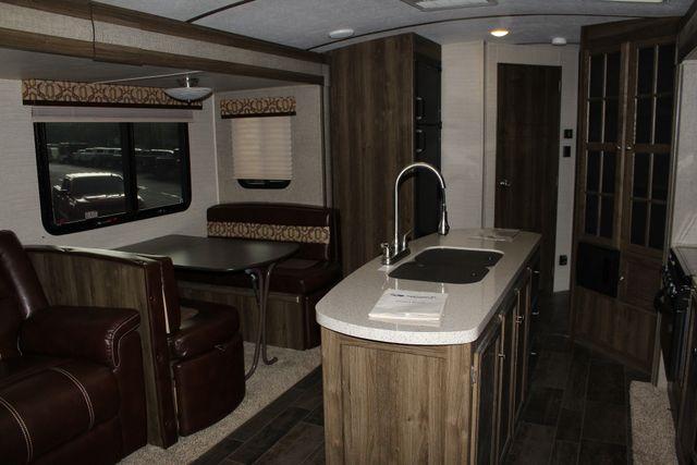 2017 Keystone Premier Ultra Lite 30RIPR Mooresville , NC 5
