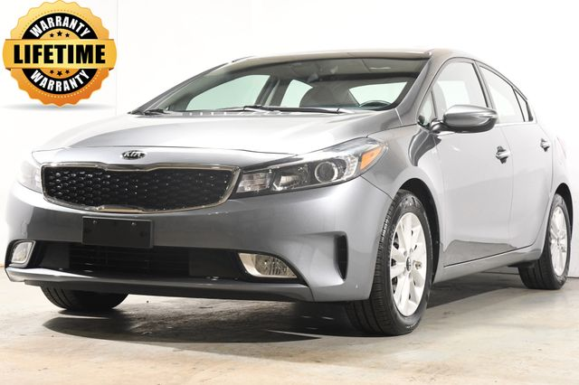2017 Kia Forte S w/ Blind Spot / Heated Seats / Apple Play