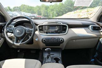 2017 Kia Sorento LX V6 AWD Naugatuck, Connecticut 19