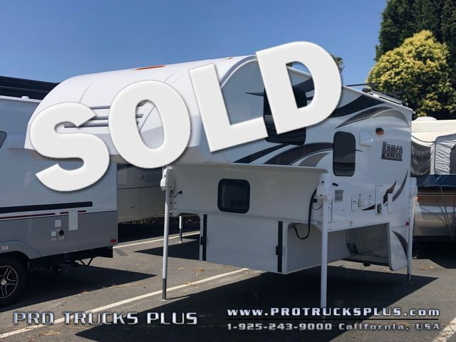 865 Lance 2017 truck camper short bed  in Livermore California
