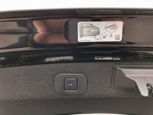 2017 Lincoln Continental Select 3.7L V6 in Gower Missouri, 64454