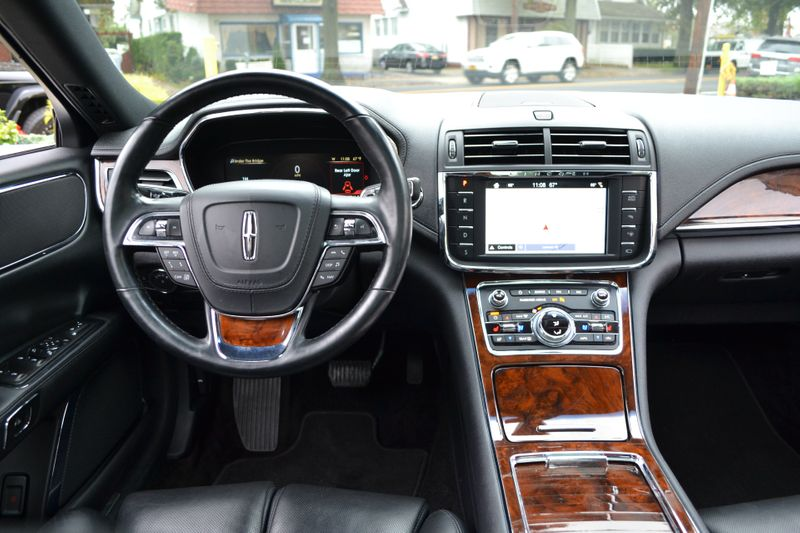 2017 Lincoln Continental Reserve  city New  Father  Son Auto Corp   in Lynbrook, New