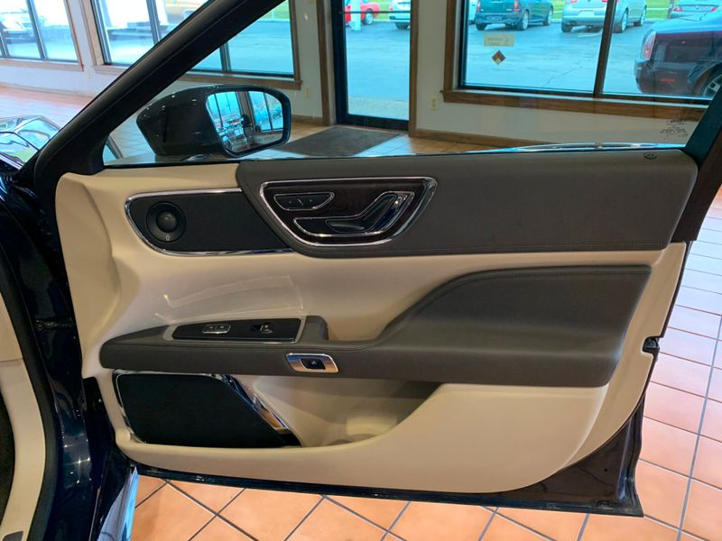 2017 Lincoln Continental   St Charles Missouri  Schroeder Motors  in St. Charles, Missouri