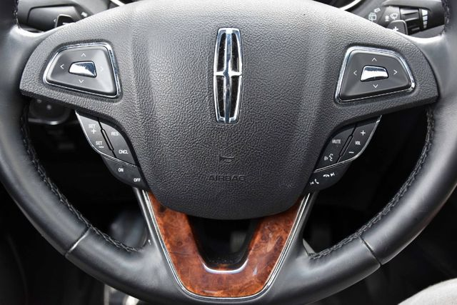 2017 Lincoln MKX Reserve Waterbury, Connecticut 30