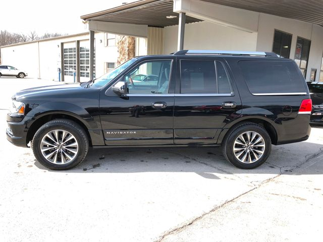 2017 Lincoln Navigator Select 4X4 in Gower Missouri, 64454