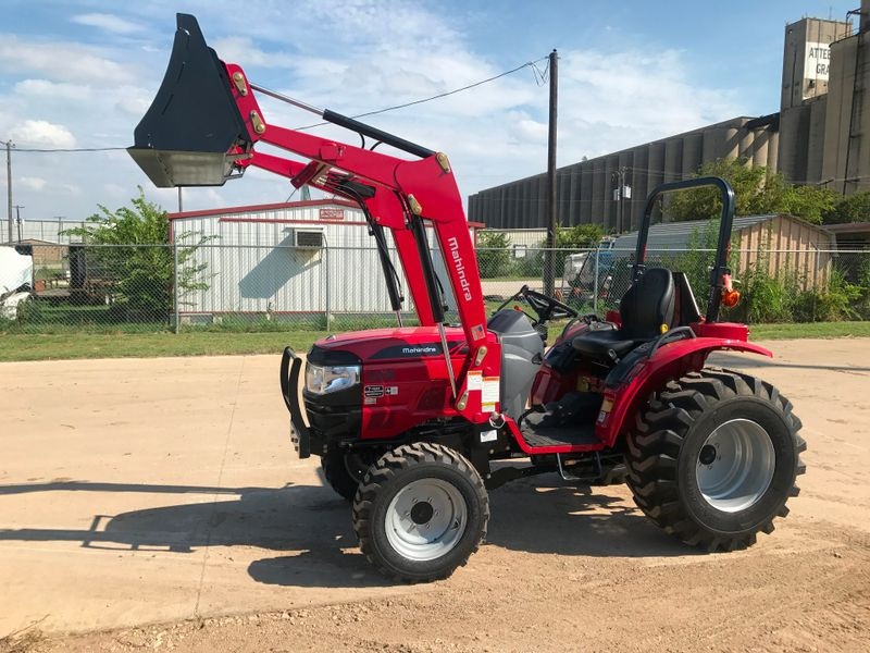 2017 Mahindra 1526 HST WIND TIRES   city TX  North Texas Equipment  in Fort Worth, TX