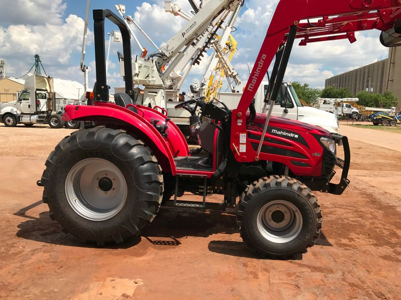 2017 Mahindra 2555 SHUTTLE WIND TIRES   city TX  North Texas Equipment  in Fort Worth, TX