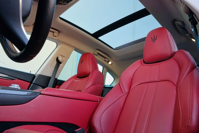 2017 Maserati Levante S PANO ROOF W/ RED LEATHER SEATS in Memphis, Tennessee 38115