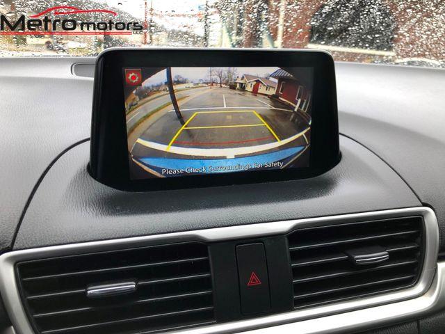 2017 Mazda Mazda3 4-Door Sport Knoxville , Tennessee 25