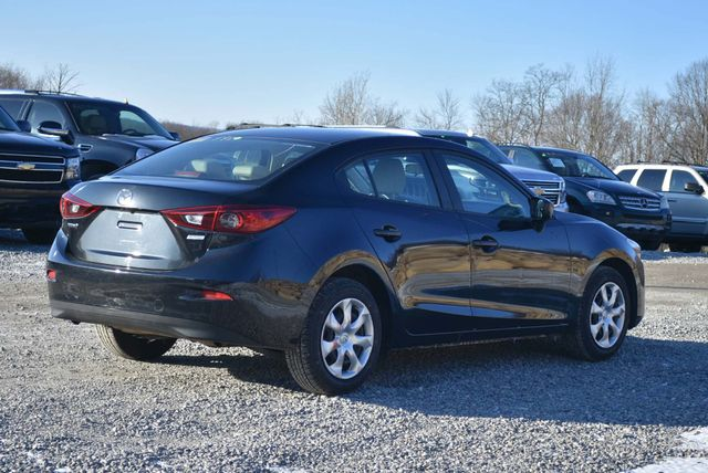 2017 Mazda Mazda3 4-Door Sport Naugatuck, Connecticut 4