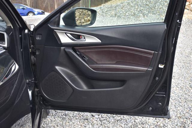 2017 Mazda Mazda3 4-Door Touring Naugatuck, Connecticut 11