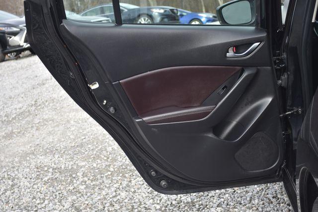 2017 Mazda Mazda3 4-Door Touring Naugatuck, Connecticut 13