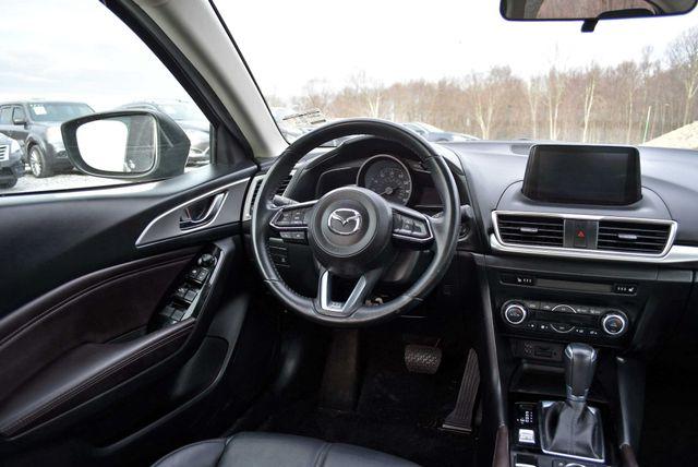 2017 Mazda Mazda3 4-Door Touring Naugatuck, Connecticut 16
