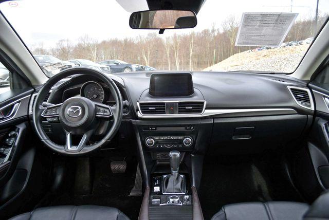 2017 Mazda Mazda3 4-Door Touring Naugatuck, Connecticut 17