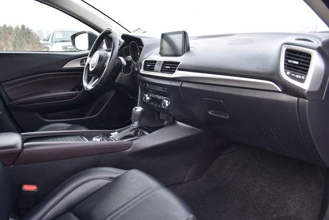 2017 Mazda Mazda3 4-Door Touring Naugatuck, Connecticut 8